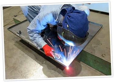 金属製品の製作および加工